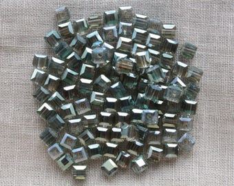 30 glass cube beads faceted Electroplates blue / gray transparent 4mm LBP00185A