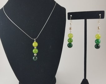 Shaded Green Beaded Necklace & Earrings Set