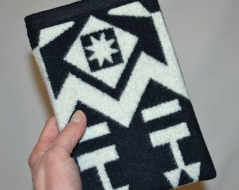 Paperwhite Sleeve Cover Case handmade of black and white tribal arrow Native American Wool Kindle Touch or Paperwhite Sleeve accessories