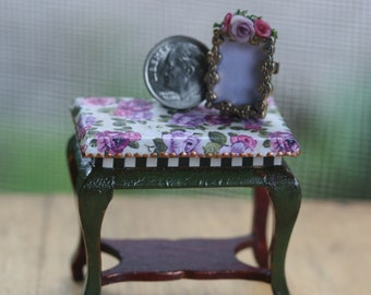 Dollhouse Miniature One Inch Scale 1:12 Table