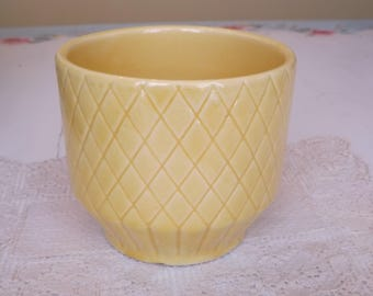 Vintage Shawnee Planter #456 USA/Yellow Planter/Planters and Pots/Home and Living/Outdoor and Gardening/Indoor Planter/mid century