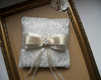 Ivory lace ring pillow decorated with bow and pearls in the center, Wedding pillow, Ring bearer, Ring Holder, Ivory ring cushion, Wedding