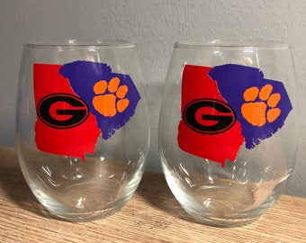 House divided wine glass Georgia  bull dogs  and clemson tigers listing is for ONE GLASS