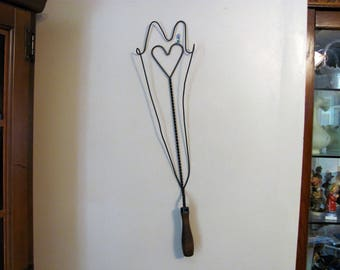 Antique Wire Rug Beater / Rustic Wall Decor / Farmhouse Decor