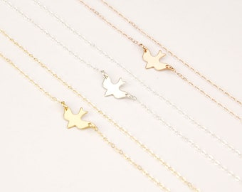 Dove necklace, bird necklace, dainty necklace, delicate gold choker necklace, gold necklace, charm necklace, bird jewelry, gift for her