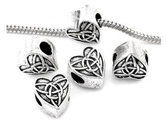 10 loops heart Celtic design