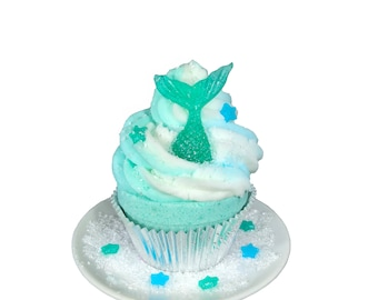 Color Surprise Mermaid Cupcake Bath Bomb with Bubble Frosting