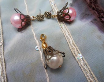Set 2 pieces: necklace and earrings Pearl and textured bronze
