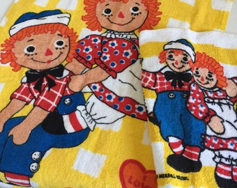 Vintage 1970s Raggedy Ann Andy Wamsutta Cotton Hand Towel and Washcloth Set LIKE-NEW, Primary Colors Kids Bathroom Decor Doll Collectible