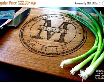 SUMMER SALE - 10% OFF Personalized Cutting Board, Engraved Cutting Board, Personalized Wedding Gift, Wedding Gift, Housewarming Gift, Annive