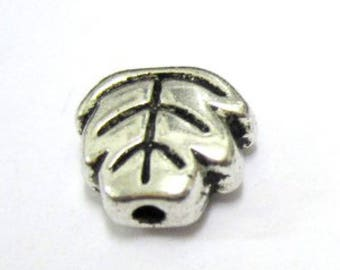 30 pieces Tibetan Silver leaf Tone Alloy Beads - A0302