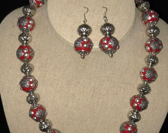 AJ186 - Stunning red Bali beads necklace..... Perfect gift....