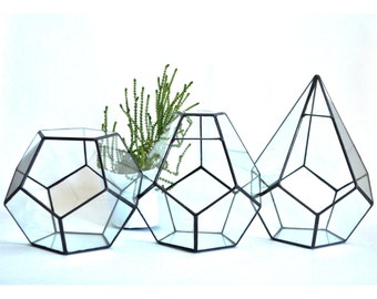 Glass dodecahedrons set of 3 forms. Modern Wedding table and home glass Decor
