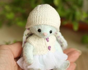 Artist Teddy bunny  Lottie. 4.5 inches