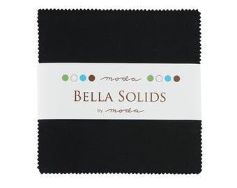 Moda Bella solides noir Charm Pack - (42) 5 pouces