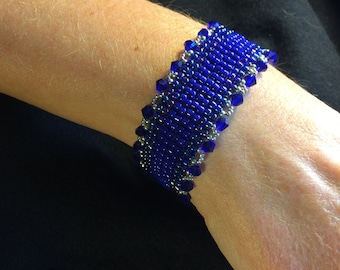 NO 91 Hand Woven Crystal and Glass Beaded Bracelet