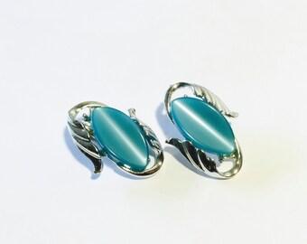 Turquoise  Aqua Thermoset Earrings Vintage Ear Candy Retro Fashion Jewelry