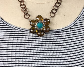Crystal flower with bold chain
