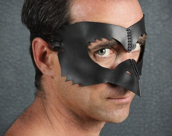 Bird Beak leather mask in black
