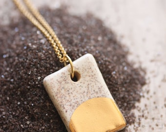 Gold Luster Pendant Necklace in Beach Sand