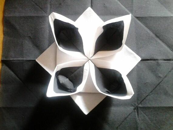 pliage serviette nenuphar blanc et noir. Black Bedroom Furniture Sets. Home Design Ideas