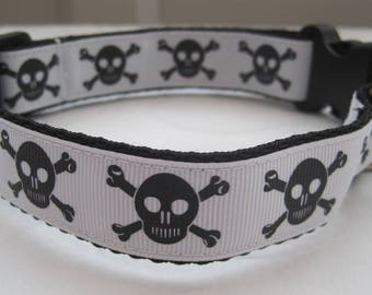 Dog collar skull crossbone or matching leash halloween