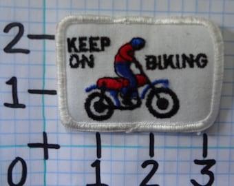"""Vintage """"Keep On Biking"""" Motorcycle Patch (010)"""