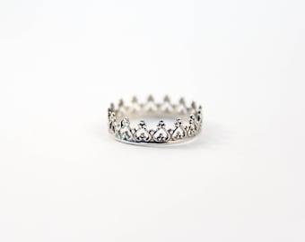 Crown Ring, Queen of Hearts Crown Ring, Princess Ring, Sterling Silver Crown Ring, Silver Stacking Ring, Sterling Silver Ring, Queen Ring