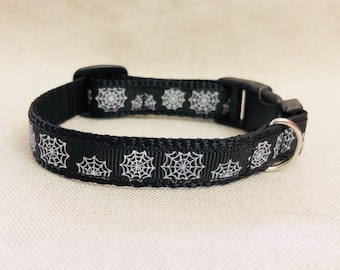 Spider Webs Small Collar