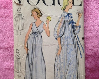 Vintage 1950s Vogue sewing pattern for Ladies nightgown & peignoir. Sewing, craft, nightwear.