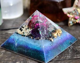 Orgonite® - Orgonite® Pyramid - Love and Protection - Handmade - Orgone Generator® - Art - Crystals - Gift - EMF Protection - HoodXHippie