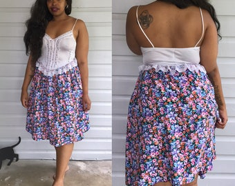 "Vintage 1980's JH Collectibles Floral High Waisted Skirt w/ Pockets size S/M (waist: 26"")"
