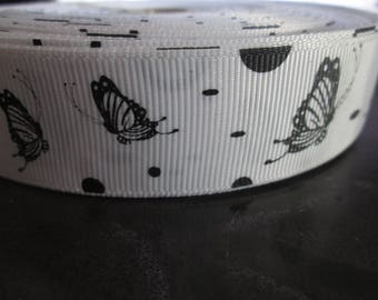 Ribbon grosgrain white with black butterflies in 25 mm sold per meter