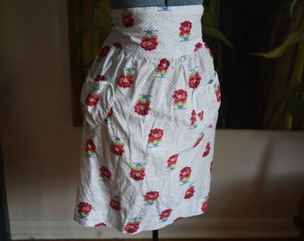 Vintage Sweet Apron with heart pockets
