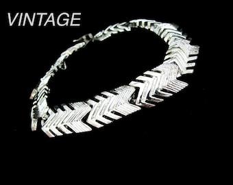 Vintage NAPIER Bracelet, Designer Bracelet, Silvertone Bracelet, Chevron Design, Silver Link Bracelet, Gift for Her, Holiday Jewelry
