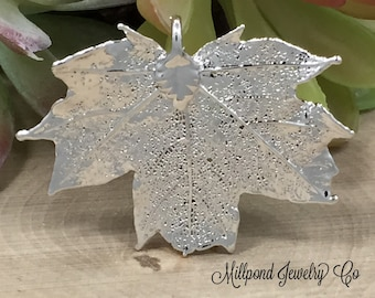 Maple Leaf Pendant, Silver Dipped Maple Leaf Pendant, Silver Maple Leaf, Leaf Pendant, Nature Pendant, Smaller Size, 1 Piece, PS2705