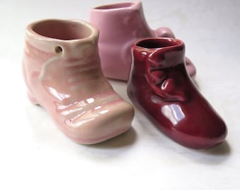 Pottery Baby Shoes Ceramic Planter Vintage Pink Rose Burgundy 1940s Pretty Christening Gift Mother's Day Gift Nursery Cottage Chic Decor