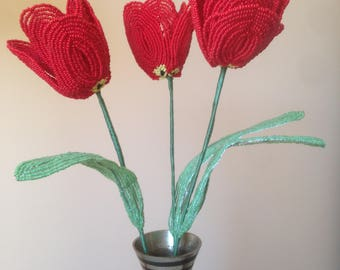 The red tulip made of beads