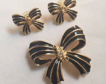 Gold Ribbons with Black Enamel and Rhinestones, Brooch and Earring Set
