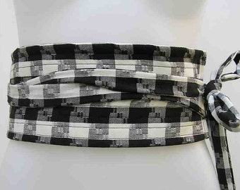 SALE! Black and white obi, Plus size Obi belt, plus size sash belt, plus size wrap belt, fabric belt, upcycled belt, checked obi, check obi