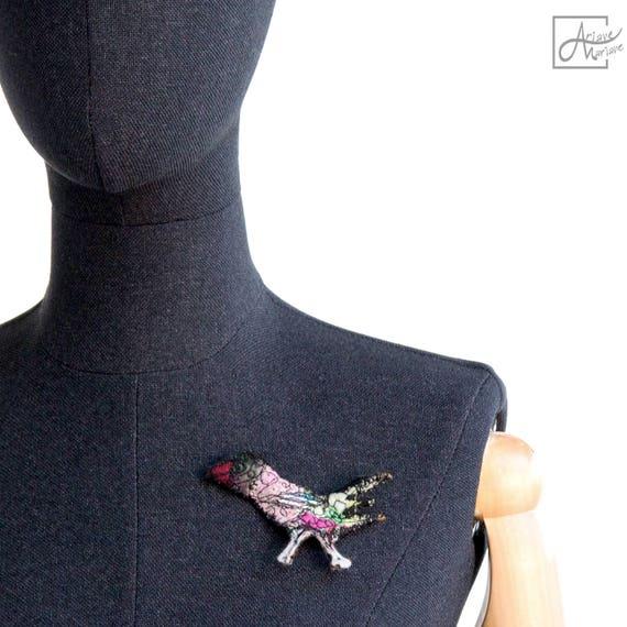 Awesome bird textile brooch - Sculptural art pin - Fiber art bird sculpture to pin- Sculptural felt brooch - felt art brooch