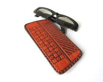 Leather Eyeglass Case, Spectacle Cover, Hand Tooled Eye Glass Case, Stylish Embossed Geometric Pattern, Vintage Gift, Estonia