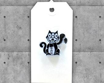Maneki Neko Felix Lapel Pin