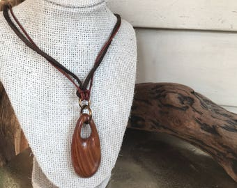 The Daisy Chain Necklace
