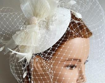 BRIDAL HAT, wedding hat, beautifull headpiece, fascinator. Birdcage veil. Lovely