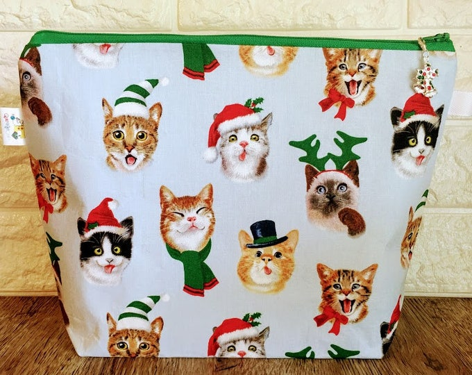 Featured listing image: Medium Size Christmas Knitting Bag with Zipper