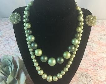 Vintage green pearl jewelry set