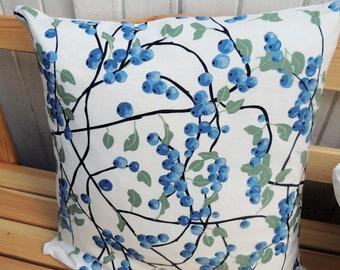 Sweden-Design pillow case Blue berries