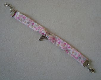 Pink floral bracelet with Dolphin charm
