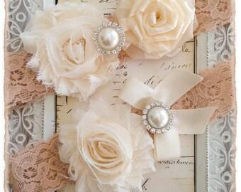 Wedding Garter, Bridal Garter, Lace Wedding garter Set, Ivory Garter Set - Tan Lace, Cream and Ivory Flowers